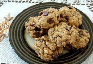 Healthy Oatmeal Raisin Chocolate Chip Cookies